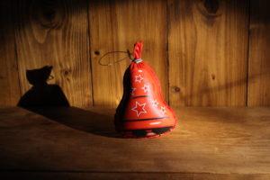 Ozdoba červený zvonek